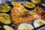 ¿Puede mi perro comer salmón cocido?